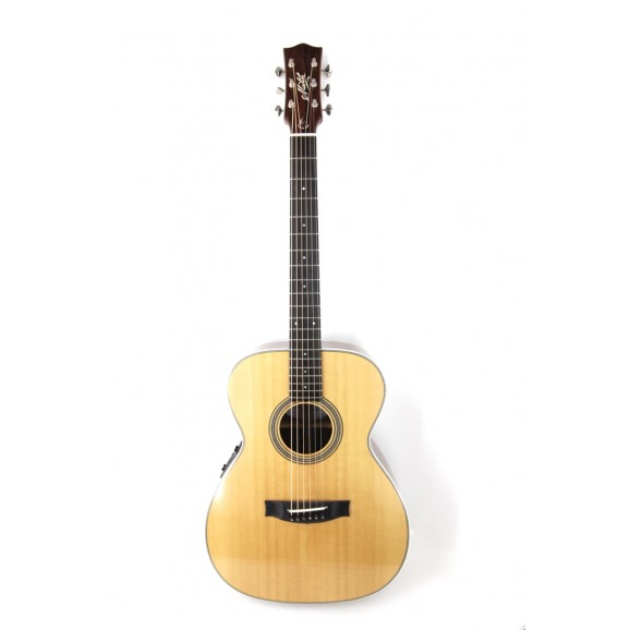 Maton Custom Shop AA Traditional #663 **One Only*